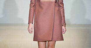розовое двухцветное пальто