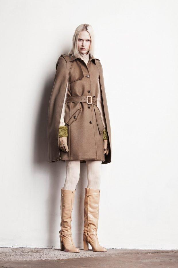 Тренды осень-зима 2019 2020: бежевое пальто и светлые сапоги