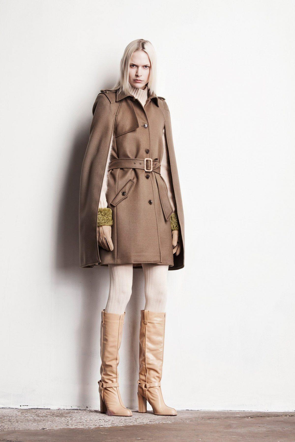 Тренды осень-зима 2018 2019: бежевое пальто и светлые сапоги