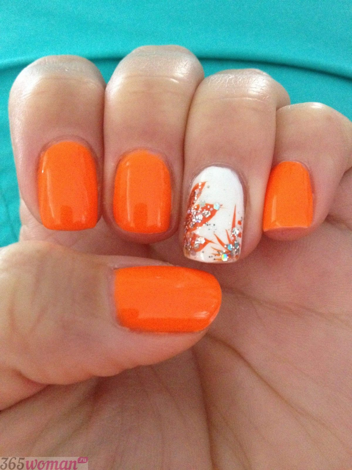 Рисунки на ногтях с оранжевым лаком