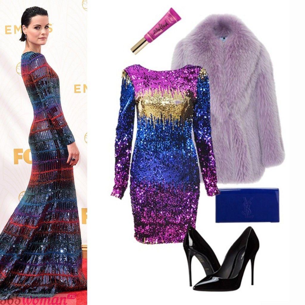 в каких цветах встречать новый год 2021: вечерний образ с блестящим пурпурным платьем