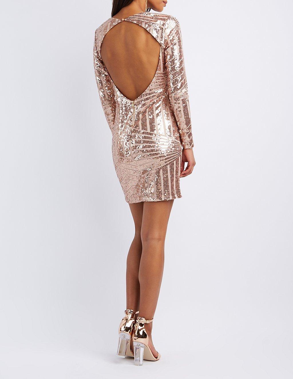 платье с открытой спиной золотого цвета