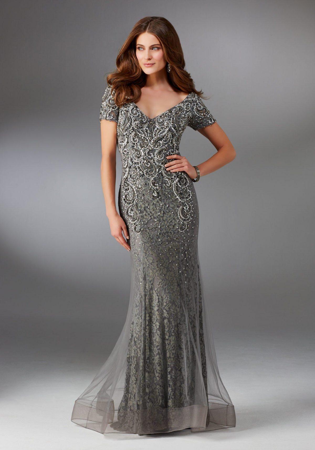 серое длинное кружевное платье