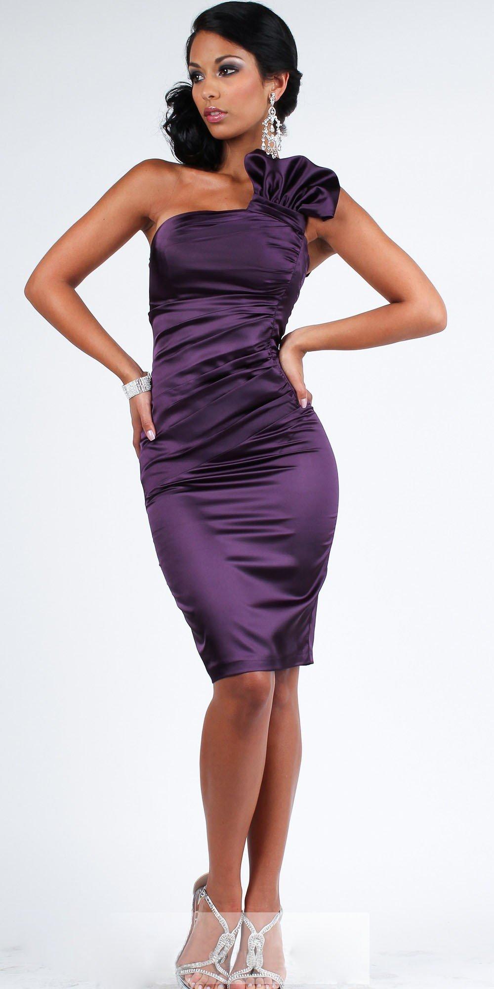 фиолетовое атласное короткое платье