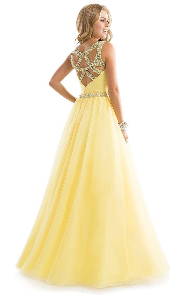 желтое длинное платье с пышной юбкой с открытой спиной