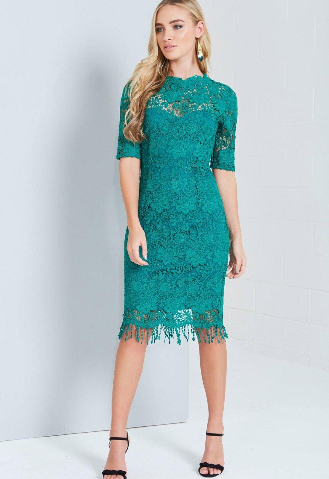 зеленое кружевное платье до колена