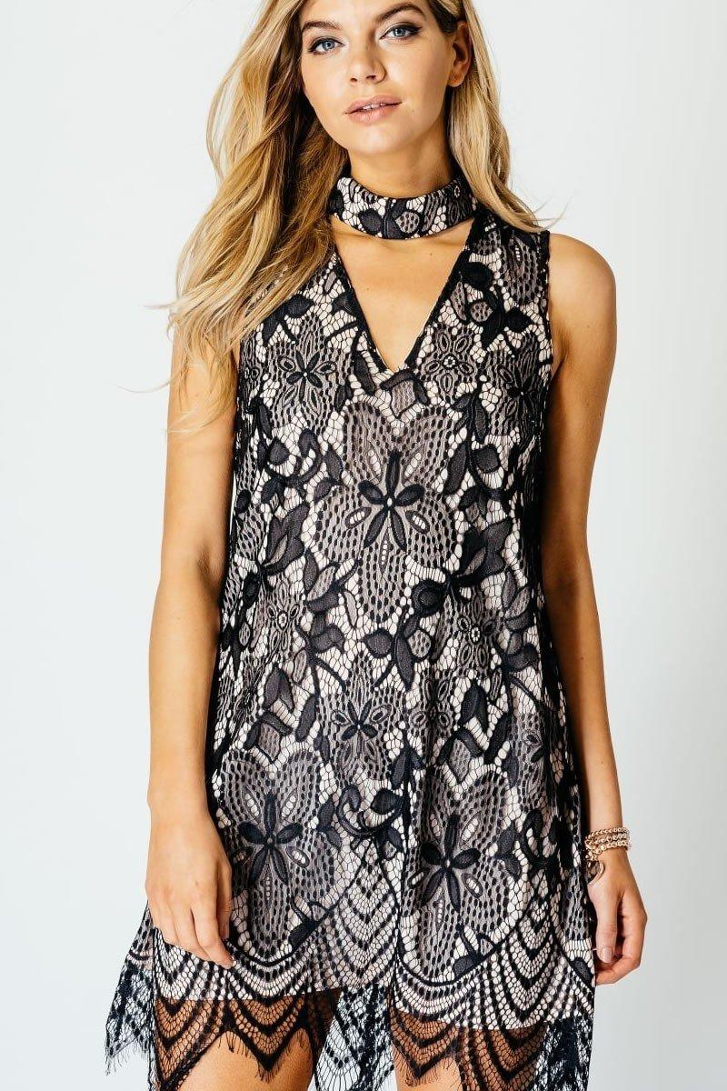 платье трапеция с контрастным кружевом