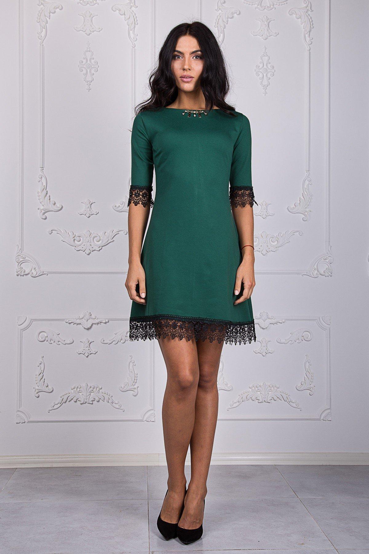 зеленое платье трапеция с кружевом