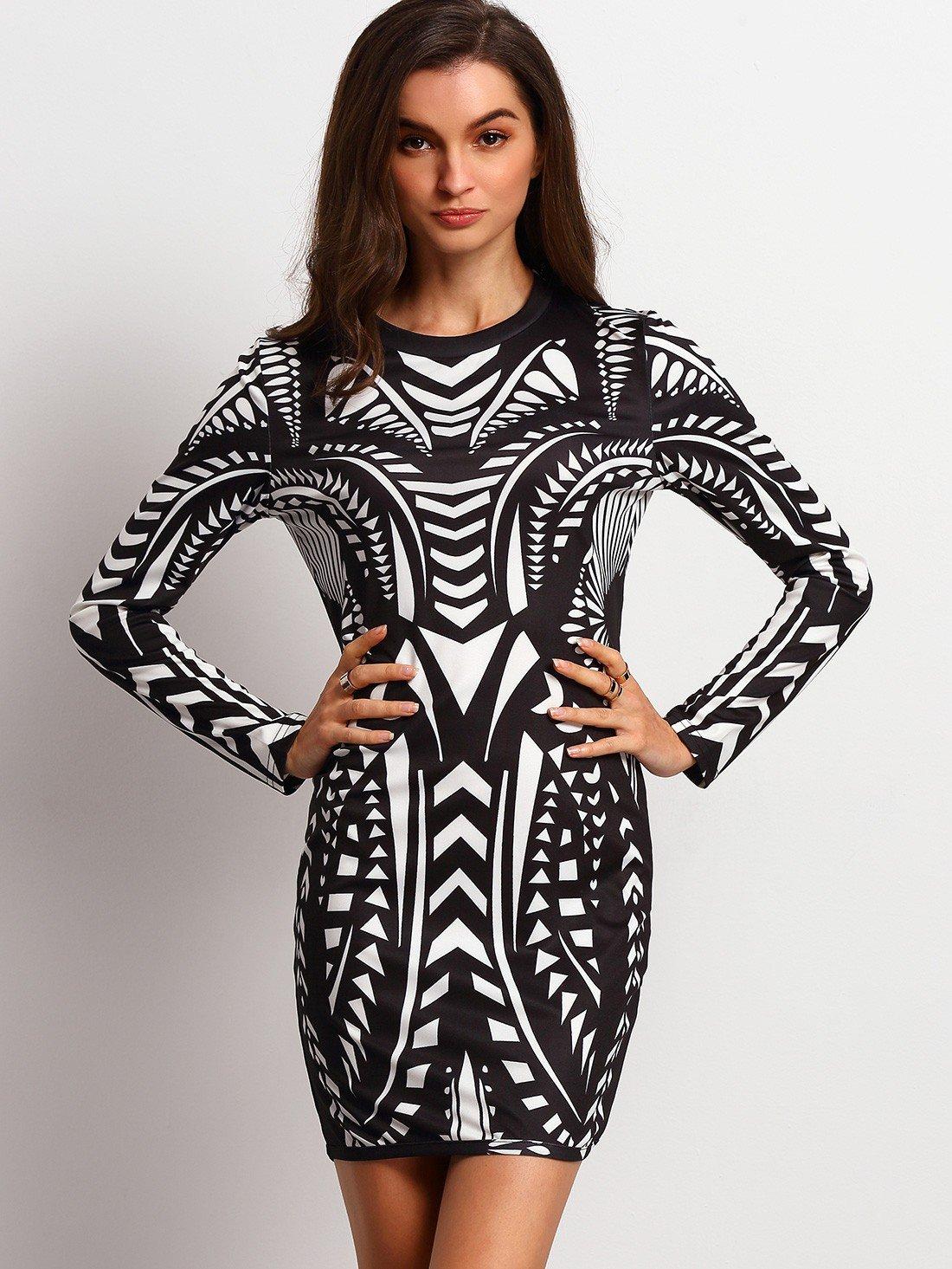 платье геометрический принт черно-белого цвета