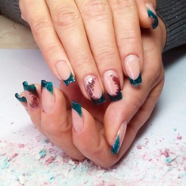 арочное моделирование ногтей гелем: форма френч зеленый