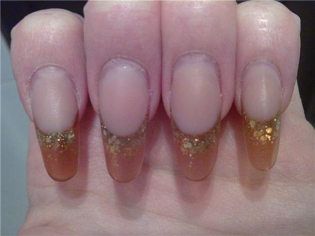 арочное наращивание ногтей фото: форма френч коричневый