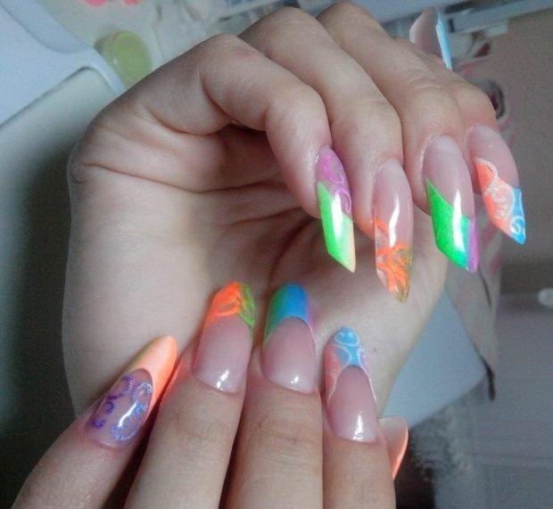 арочное наращивание ногтей: форма френч цветной