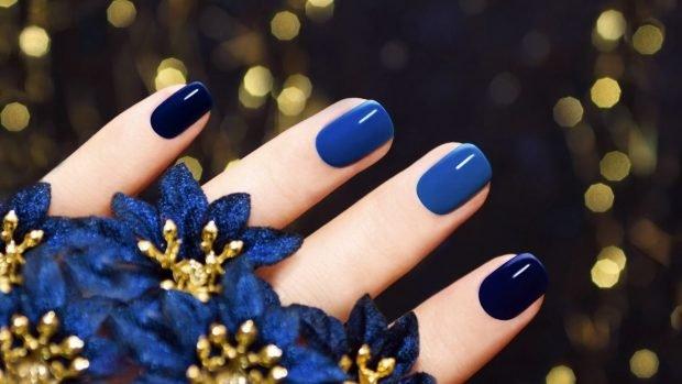 маникюр шеллак 2020 2021 ногти синие с темно-синим