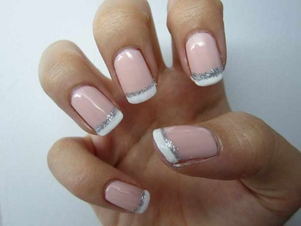 дизайн ногтей шеллак 2018 2019 френч улыбка белая с блестками