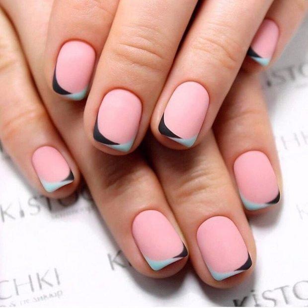 дизайн ногтей шеллак 2020 2021 френч розовый с черно-зеленой улыбкой