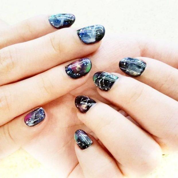 дизайн ногтей шеллак 2019 2020 ногти рисунок космос
