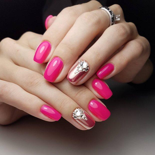 маникюр дизайн ногтей шеллак 2020: розовые ногти с камушками
