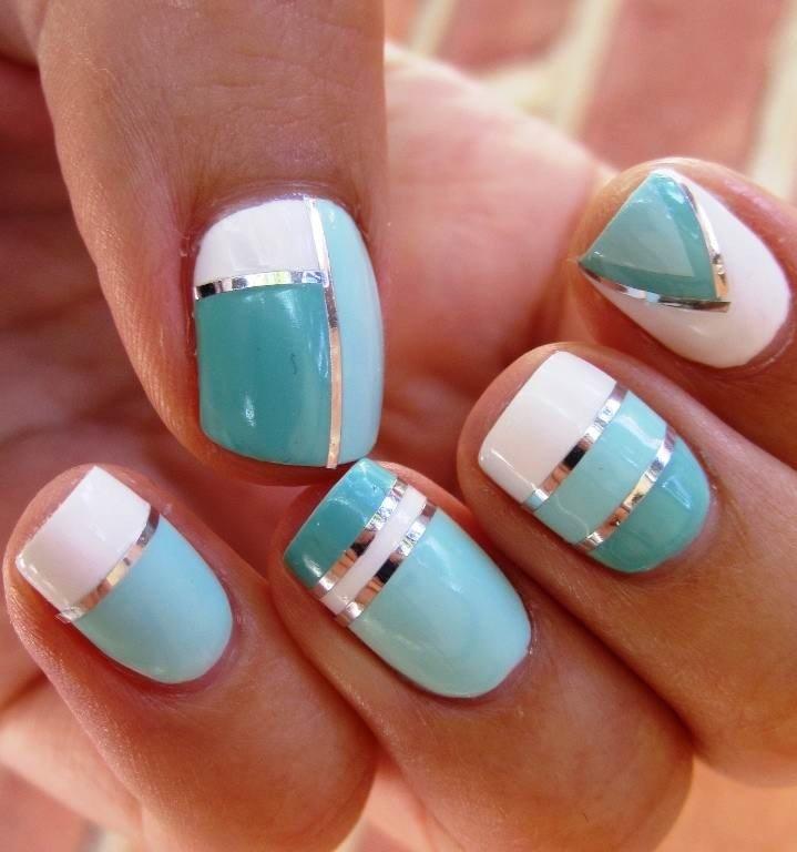 маникюр скотч-лента голубой с белым - дизайн ногтей шеллак 2018