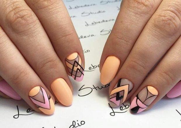 маникюр геометрия бежевый с черным и розовым - дизайн ногтей шеллак 2018 2019