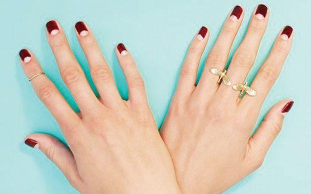 маникюр лунный красный с прозрачной лункой - дизайн ногтей шеллак