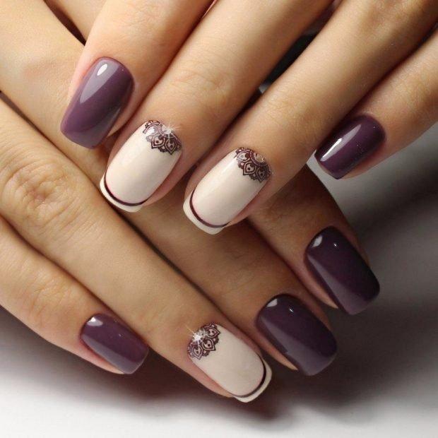 маникюр шеллак 2018 2019: ногти фиолетовые с белым