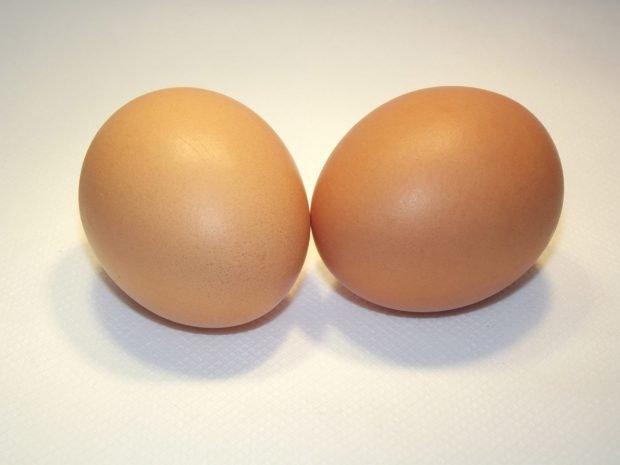 Домашние маски для густоты и быстрого роста: два яйца
