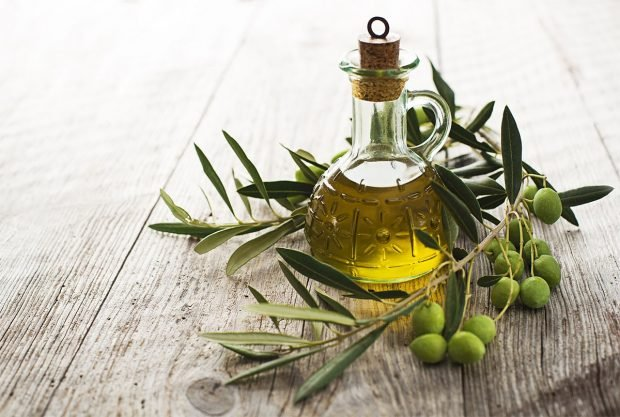 Домашние маски для густоты и быстрого роста: оливковое масло
