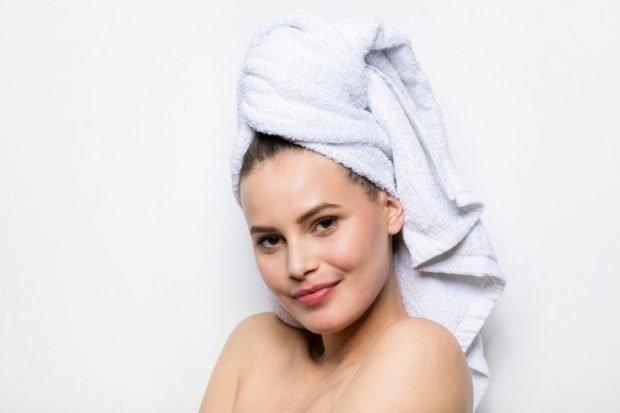 после маски замотать волосы в полотенце
