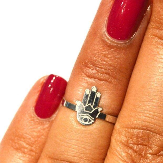 """кольцо на безымянном пальце """"рука"""""""