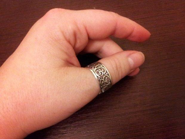 ажурное кольцо на большом пальце