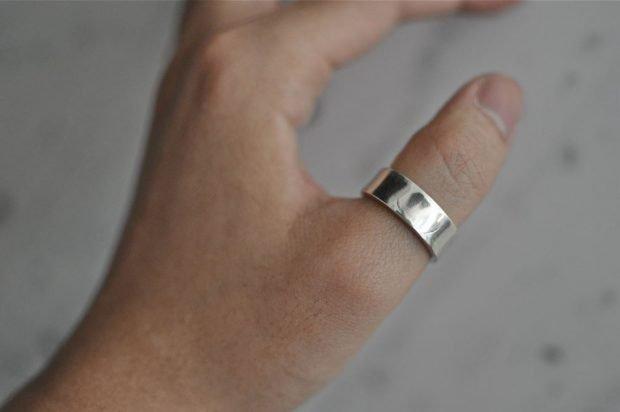 кольцо на большом пальце из белого золота