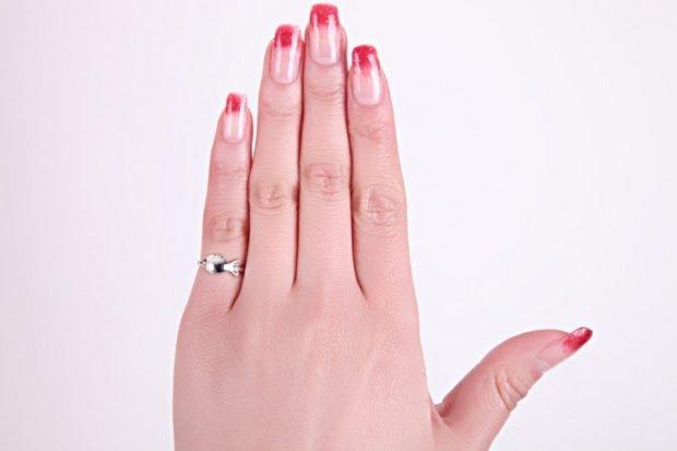 кольцо на мизинце серебро