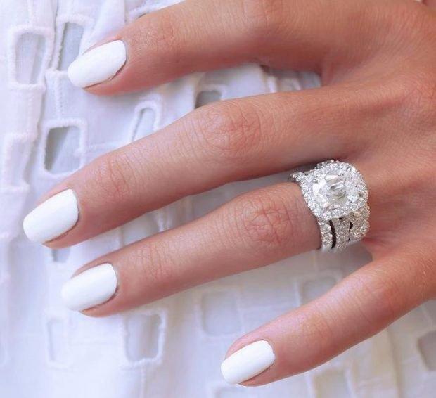 кольцо серебро массивное с камнем большим