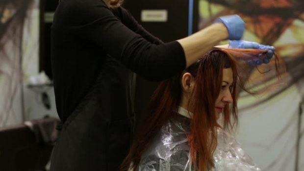 когда лучше покрасить волосы