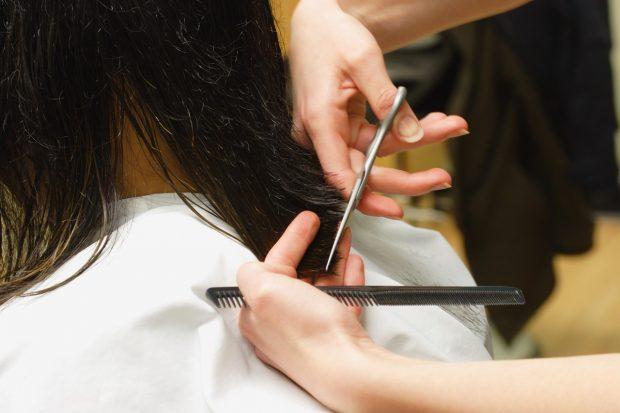 когда лучше стричь волосы в августе