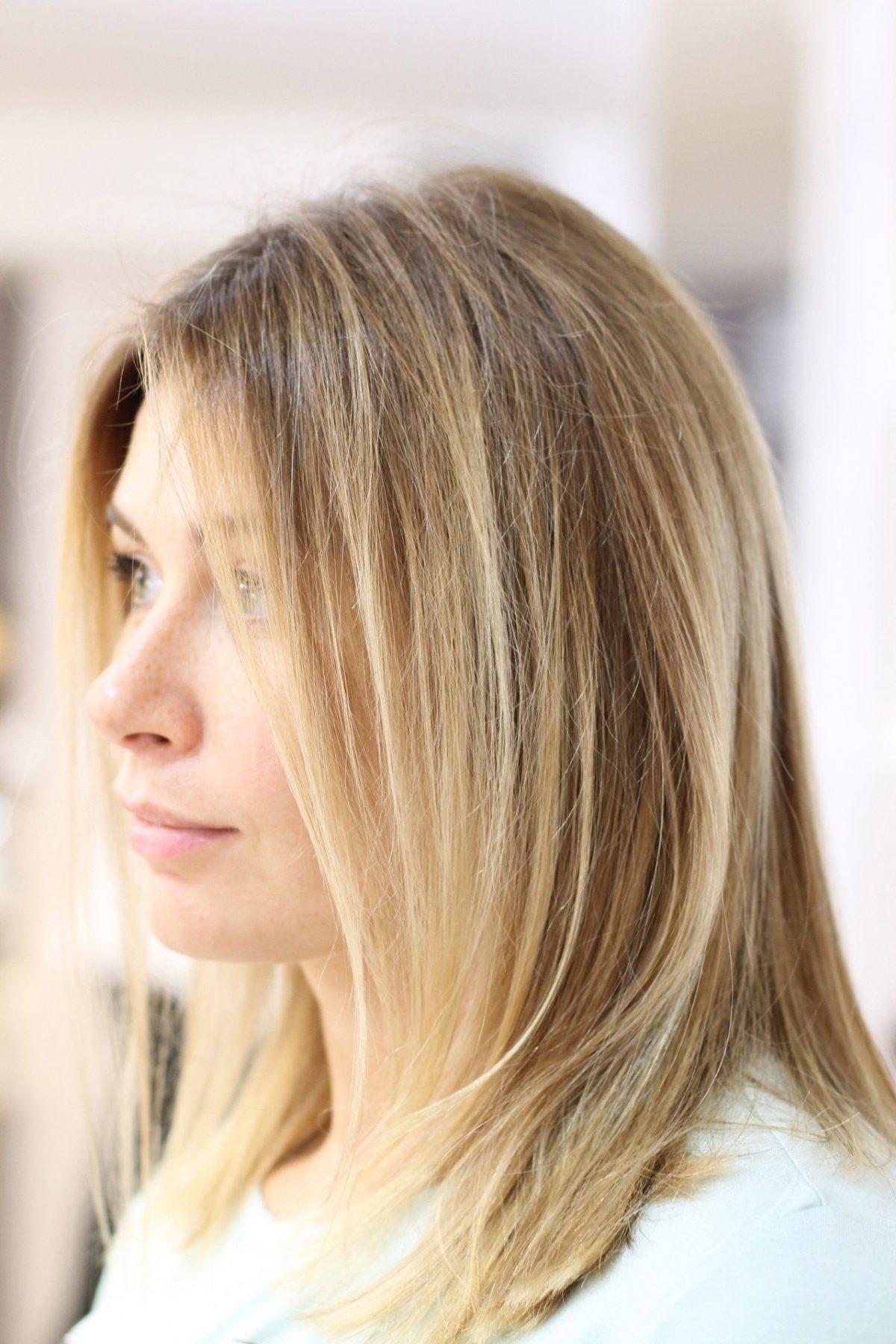 Калифорнийское мелирование белое на светлых волосах
