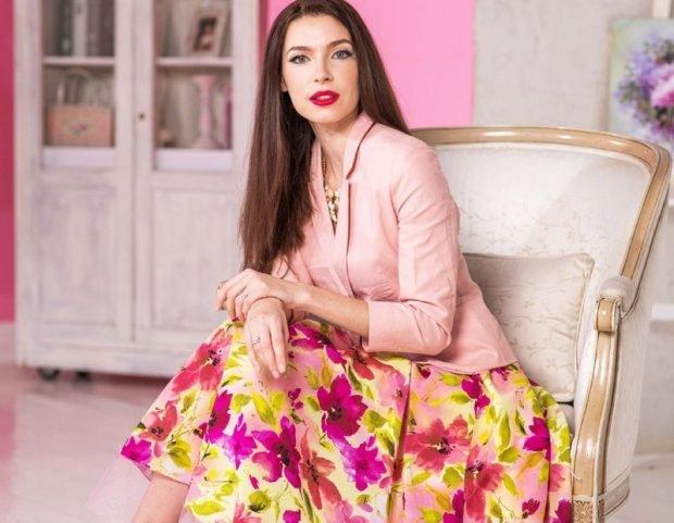 розовый жакет юбка в цветы