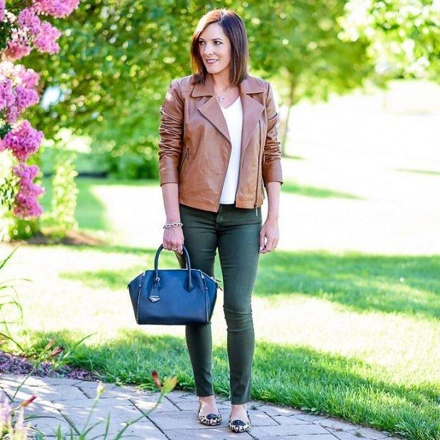джинсы зеленые куртка кожаная