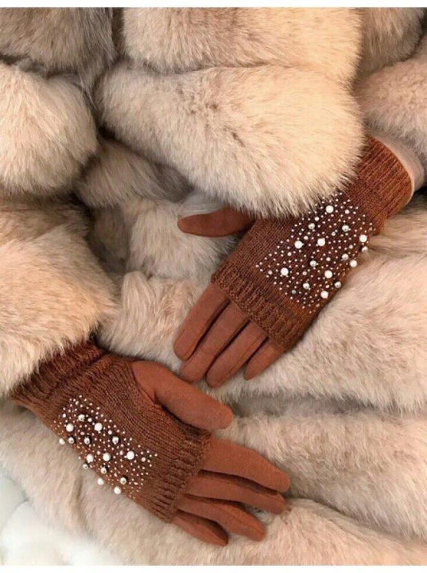 коричневые перчатки вязка с бусинками