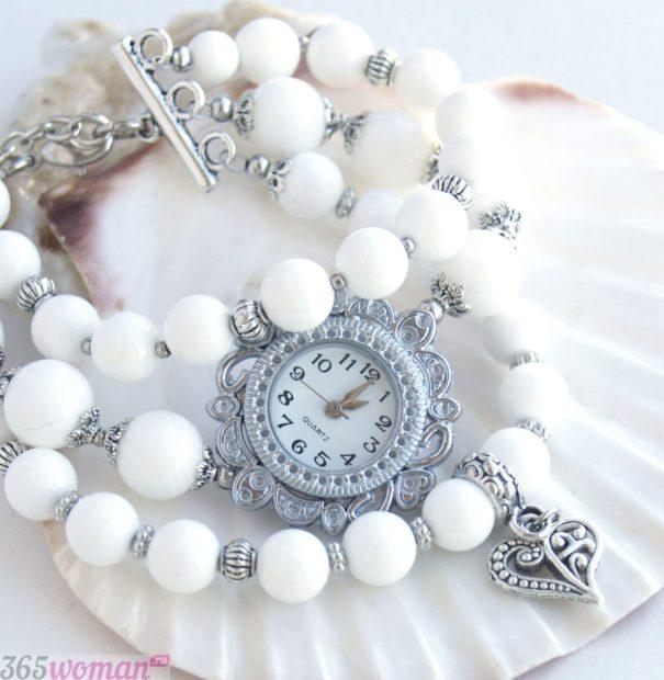 модные женские часы серебро браслет бусины 2019 2020