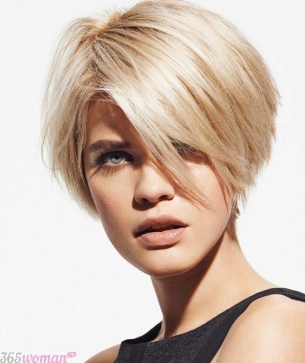 модная стрижка 2019 2020 боб на короткие волосы для женщин за 30