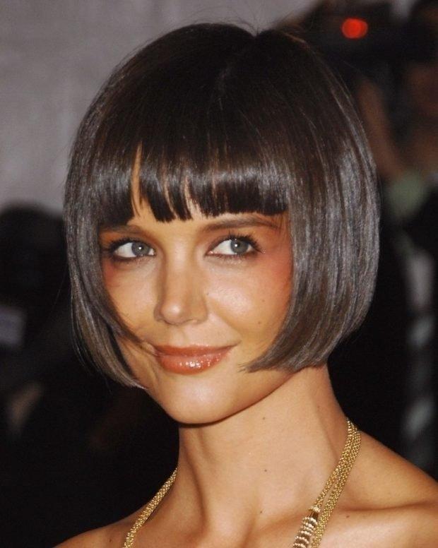 стрижка 2019 2020 модное короткое каре с челкой на короткие волосы для женщин за 30