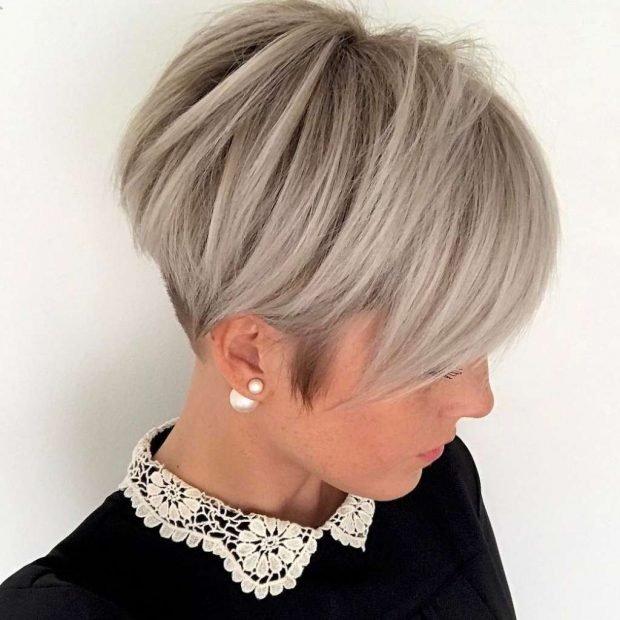 модная короткая стрижка-боб с косой челкой для женщин за 30 2019 2020