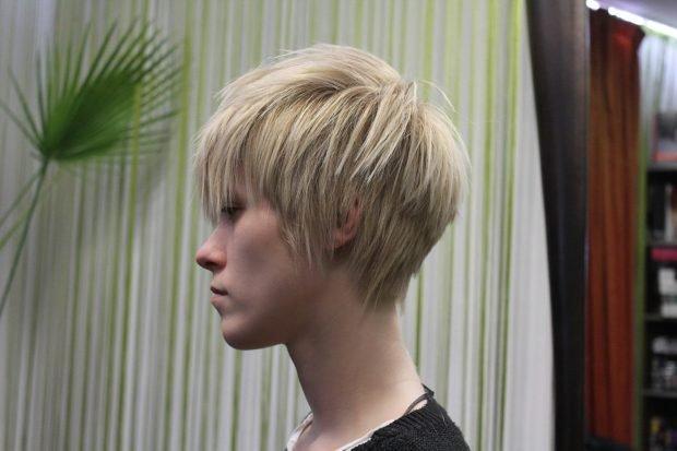 мода 2018 2019 женская стрижка текстурная средняя длина волос