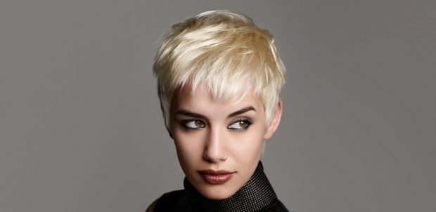 мода 2018 2019 женская стрижка текстурная на средние волосы