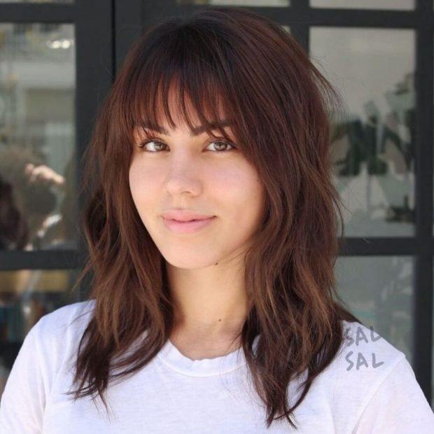 средние волосы стрижка женская рваная челка мода 2018 2019 года