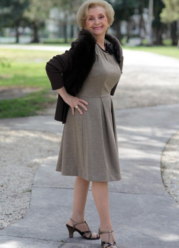 платье классика серая под жакет