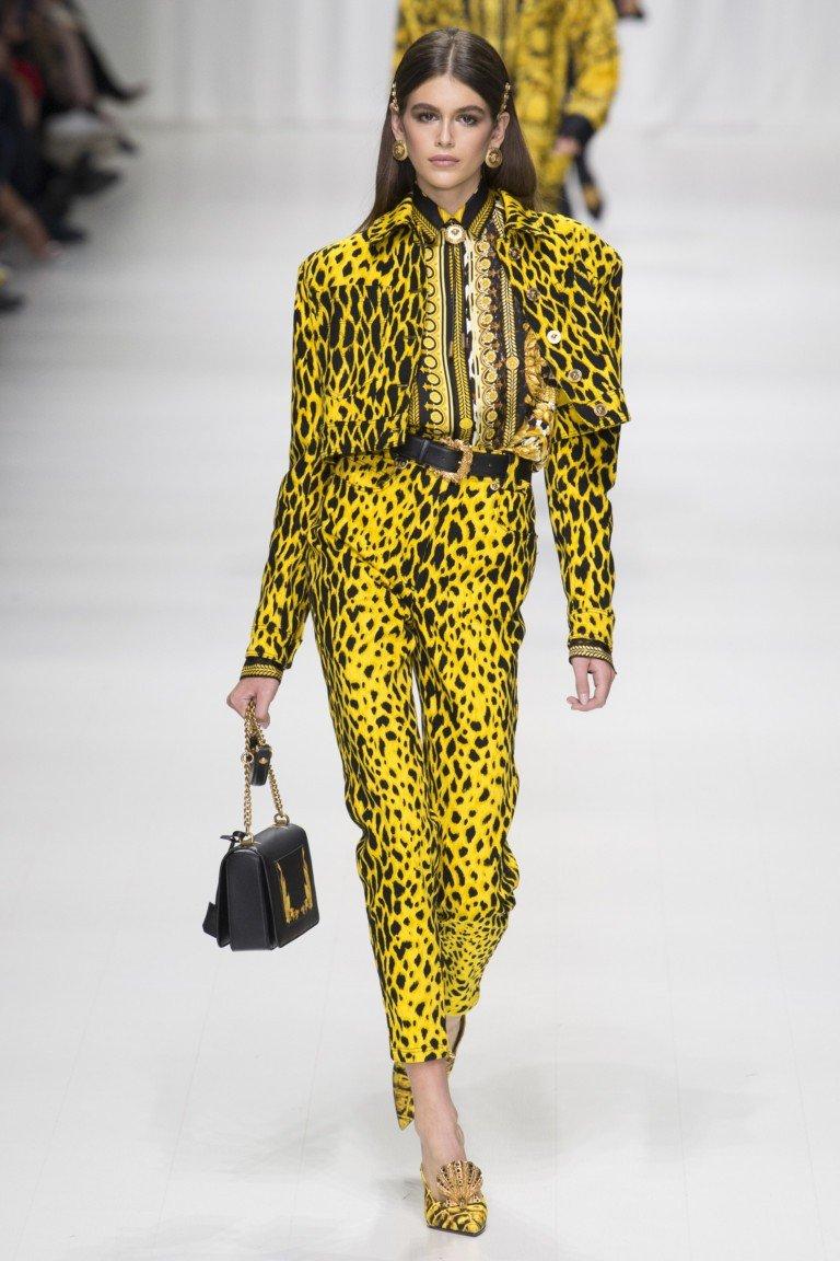 брюки и курточка желтые в леопардовый принт