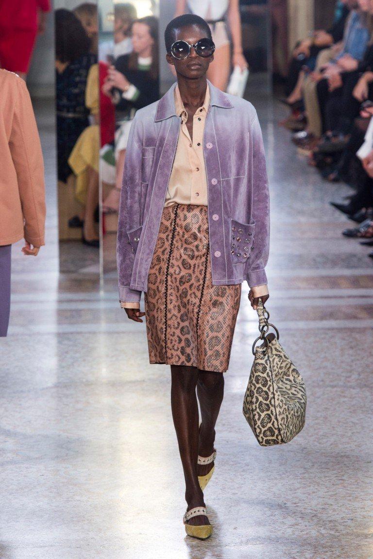 юбка кожа коричневая под жакет фиолетовый