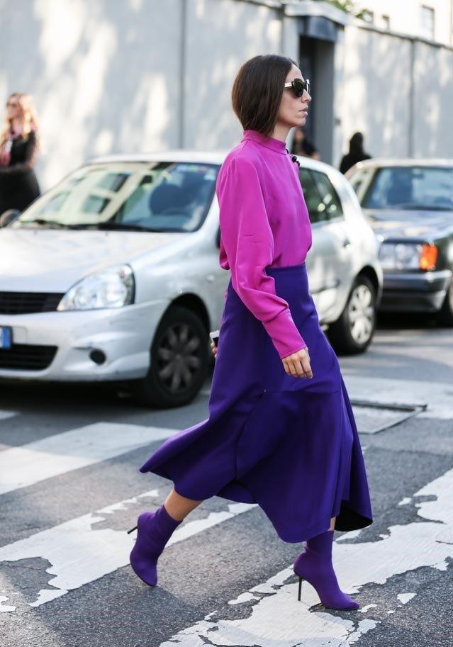 фиолетовая юбка под малиновую блузку